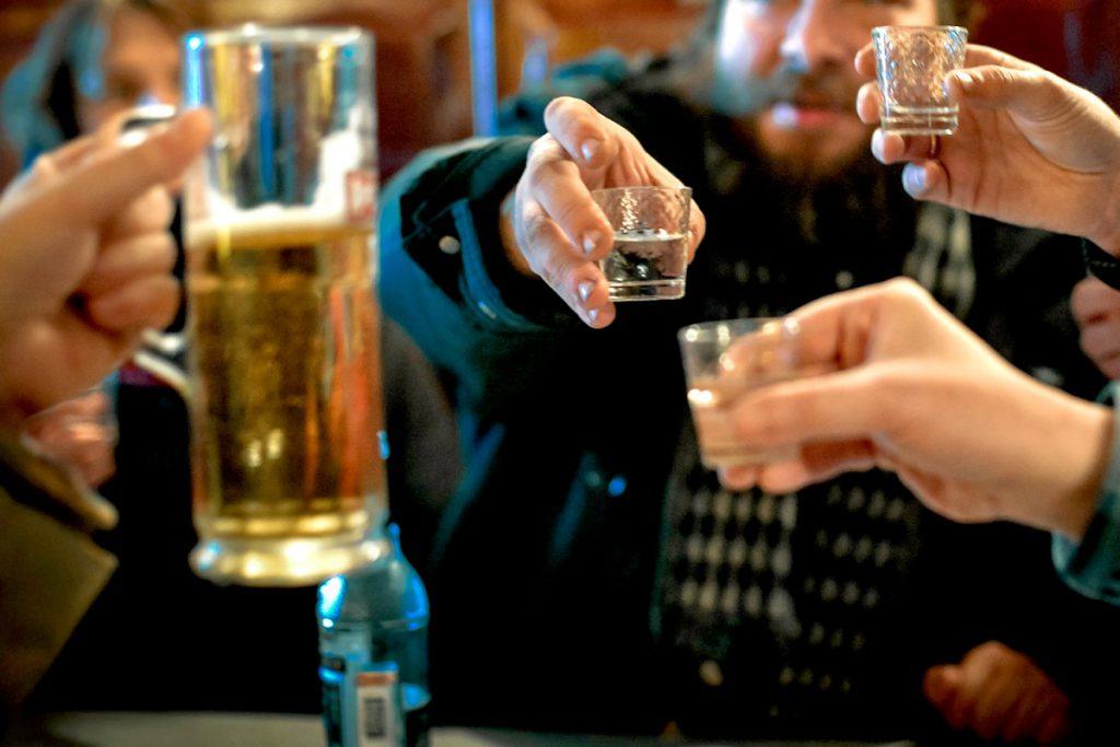 Когда дома все пьют алкоголь