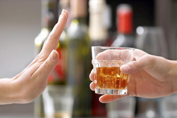 7 способов отказаться от предложения выпить