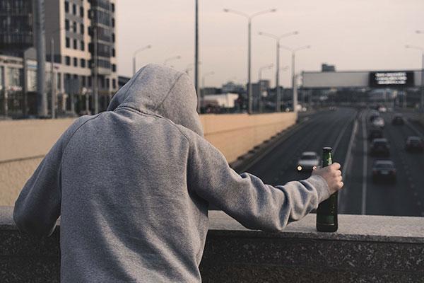 Склонность к суициду алкоголиков и наркоманов